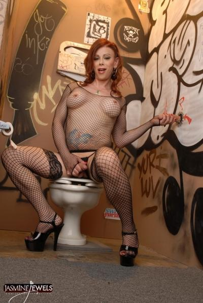 TS Jasmine Jewels at the Gloryhole